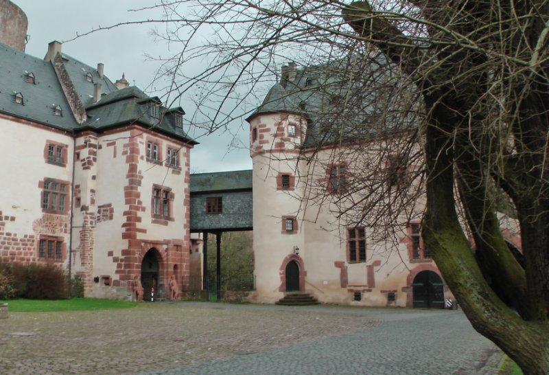 Schloss in Büdingen, Tor zum Innenhof